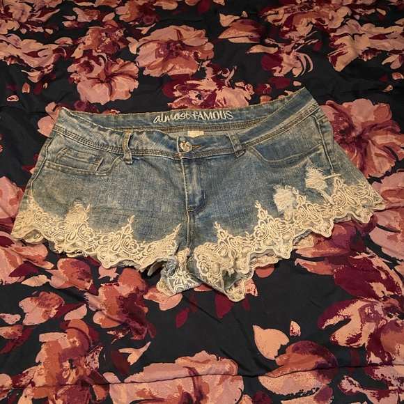 🤩 3 FOR $25 🤩 Lace Jean Shorts